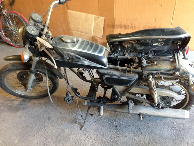 This is what the RD350 looked like in september. It's come a long way.
