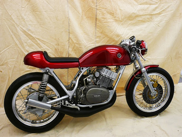 More inspiration for my RD350 build, this red RD is beautiful.